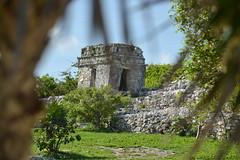 Tulum (Luis Purata) Tags: riviera ruinas zona cultura quintanaroo arqueologica amurallada playadecarmen2014