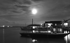 Setting Moon (jipan) Tags: beach village bor balikpapan