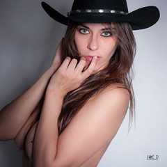 Alicia Cowgirl02 (Joe D. Photography) Tags: woman girl beautiful hat model cowboy makeup topless hazeleyes tall cowgirl brunette bigbreasts lightbrownhair beautydish canon40d sigma1750f28