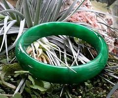 กำไลหยกจักรพรรดิ์ กว้าง5.5-5.8 ซม. (วงใน) สนใจติดต่อสอบถาม  LINE ID : ninetyJewel  fb : facebook.com/ninetyJewel #เครื่องประดับ #พญานาค #เพชรพญานาค #แหวน #กำไล #จี้ #เงิน #เครื่องเงิน #jewelry #ring #เพชร #ทอง #925 #gold #silver #ลงยา