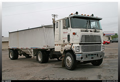 """Ford CL 9000 """"Behrends"""" (uslovig) Tags: ford minnesota truck cab over engine camion hastings mn cl coe 9000 lkw laster lastkraftwagen behrends"""