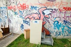 """says you, desk!"" (tb_frbnk) Tags: streetart desk urbanart caper oneeyed melbournegraffiti melbournestreetart capererg allthoseshapes"