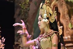 DSC_7091 (Omar Rodriguez Suarez) Tags: dance cambodia hand dancer mano baile apsara bailarina camboya