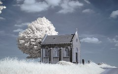 chapelle  Meux-ir (Yasmine Hens) Tags: nikon europa flickr belgium ngc infrared paysage glise chapelle avec namur hens joli yasmine wallonie cette 720nm meux infrarouge kolari nikond90 iamflickr flickrunitedaward hensyasmine re