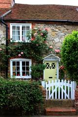 Elizabeth Cottage (clivea2z) Tags: greatbritain sussex bosham westsussex unitedkingdom cottage chichesterharbour englishcottage