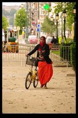 JUNI0513 (Leopoldo Esteban) Tags: africa brussels woman black mujer women belgium belgique african femme bruxelles bruselas mujeres belgica femmes afrique africana peul afric africanfashion leopoldoesteban