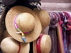 Hats (Manuel Chagas) Tags: italy olympus sicily palermo itlia omd cefalu em1 fourthirds siclia microfourthirds quatrotercios microquatroteros olympusem1 manuelchagas quatroteros micaroquatrotercios