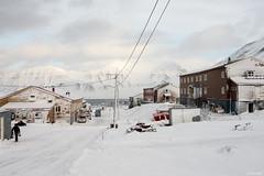 Svalbard - Longyearbyen -1- (jf garbez) Tags: street city sea mer house snow norway montagne landscape norge town nikon europa europe svalbard relief fjord neige nikkor paysage maison rue mont fiord btiment spitsbergen ville nationalgeographic longyearbyen habitation edifice norvge d600 24120mm spitzberg nikond600 nikonpassion nikkor2401200mmf4