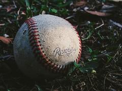 Play Baseball  ( Explore #16 01.04.2015 (roizroiz) Tags: grass ball interestingness play baseball explorer explore 16 tomorrow yesterday today i500 interesantísimo photophotospicpicspicturepicturessnapshotartbeautifulflickrgoodpicofthedayphotoofthedaycolorallshotsexposurecompositionfocuscapturemoment