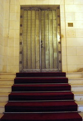 Interior door in Ren Lalique's mansion in Paris 8th (Sokleine) Tags: door house paris france glass metal architecture stairs interior steps artnouveau porte escalier mtal verre lalique marches 75008 receptionhall bellepoque renlalique htelparticulier privatemansion frenchheritage
