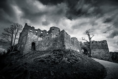 Thor's rage (nils_P) Tags: castle weather clouds canon austria tirol blackwhite dramatic ehrenberg explore14