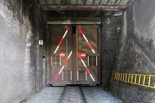Albula Pass - Rugnux Tunnel locked