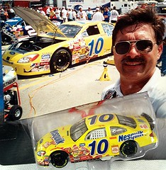 #51-39, Scott Riggs, #10, Nesquik, Pictures With Real Hot Wheels Cars & Their Diecast (Picture Proof Autographs) Tags: photograph photographs inperson pictureproof photoproof picture photo proof image images collector collectors collection collections collectible collectibles classic session sessions authentic authenticated real genuine sigatures diecast auto autos vehicles vehicle model toy toys automobile automobiles autoracing sport sports nascar series winstoncup sprintcup busch nationwide fred frederick weichmann
