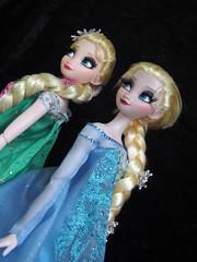 FF Elsa vs. SQ Elsa (sh0pi) Tags: november party snow frozen inch doll disney queen le 17 limited edition sq ff elsa disneystore fever puppe fieber 2015 2013 limitiert vllig unverfroren eisknigin partyfieber