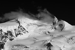 Atmosphere (Julien Stalder) Tags: mountain snow alps montagne alpes canon landscape schweiz switzerland is blackwhite julien suisse ii gornergrat neige zermatt 28 paysage wallis ef valais noirblanc 70200mm stalder 5diii