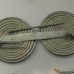 Iron Age bronze spectacle fibula from Tomb 1 at Torre del Mordillo thumbnail