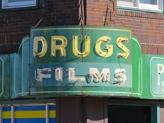 People's Drug Store (altfelix11) Tags: wisconsin films superior drugs neonsign drugstore vintagesign highway2 vintageneonsign usroute2 baxteravenue peoplesdrugstore belknapstreet