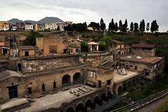 il Vesuvio da Ercolano (Martina Santucci) Tags: italy archaeology italia campania napoli naples vesuvio ercolano excavation archeologia scavi