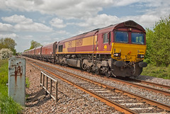 EWS Class 66 66050 'EWS Energy' (Barry Duffin) Tags: uk england sky clouds train photography nikon diesel shed rail railway bluesky trains locomotive freight stenson class66 ews peakforest washwoodheath 66050 d3000 dbschenker stensonjunction stensonjn