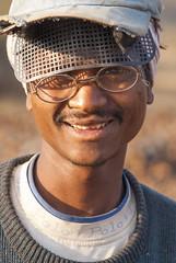 Maikal hills - Chhattisgarh - India (wietsej) Tags: india man zeiss sony hills 135 18 a100 chhattisgarh sal135f18z maikal