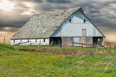 Discard After Use (henryhintermeister) Tags: summer minnesota clouds rural outdoors farming barns oldbarns nostalgia farms pastoral countryliving worthington
