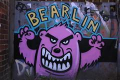 Graffiti: BEARLIN (Pascal Volk) Tags: streetart berlin graffiti 40mm sandino berlinlichtenberg canoneos6d althohenschnhausen canonef40mmf28stm
