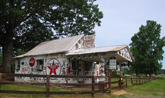 Kelly's Grocery (Gerry Dincher) Tags: chathamcounty northcarolina northcarolinahighway751 ruralsouth rural country kellysgrocery texaco kindedwardcigars generalstore grocerystore countrystore gerrydincher