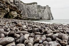 tretat (michael_hamburg69) Tags: cliff france beach stone strand frankreich arch pebbles steine pebble normandie kliff stein normandy flint plage silex tretat feuerstein kiesel chert laplage seinemaritime chalkcliff kieselstein hornstein naturstrand flintstein