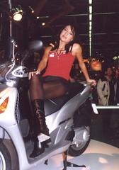 fi_msha035 (themax2) Tags: 2000 highheels legs bologna hostess miniskirt pantyhose nylon motorshow