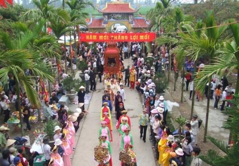 Không gian lễ hội ở đền Mõ (Ngũ Phúc, Kiến Thụy)