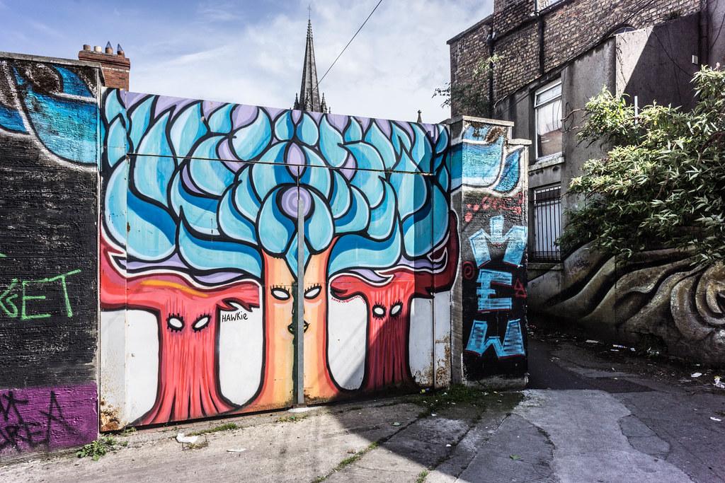 STREET ART IN DUBLIN - CABRA PARK URBAN GALLERY [A REALLY UGLY LANE]-104057