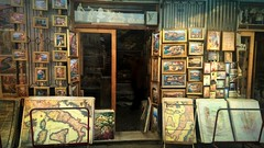 picture this in canvas (jjamv-off hols.) Tags: tourism shop capri lemon campania display maps paintings napoli naples shopwindow sorrento amalfi shopfront yelllow limoncello taxfree holidaysvacanzeurlaub jjamv julesvtravel picmonkey shopfrontschallenge lumia930 microsoftlumia930