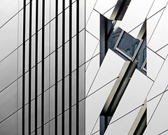 'Split Down The Middle' - 126/365 (EZTD) Tags: london architecture foto photos broadgate photographs fotos londres londra day126 londonist fotograaf 2015 aphotoaday sunstreet londonarchitecture project365 p365 aphotoadayproject 365photosinayear eztd eztdphotography photograaf canonpowershotsx240hs 5broadgate 3652015 canonpowershorsx240hs daybyday2015 2015inpictures