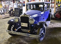 1928 Pontiac Model 8820 Series 6-28 4-door Sedan (D70) Tags: park 6 3 canada heritage wheel museum speed sedan model hp cu bc 628 4 cylinder brakes series pontiac antiques 1928 transmission 48 association rpm chilliwack 185 in 4door 2850 8820 threshermens atchelitz