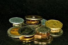 mein Schwarzgeldkonto ;-) (nirak68) Tags: money deutschland flickr international geld ger whrung schwarzerhintergrund 139366 seamlessblackbackground 2016ckarinslinsede 52wochenfotochallenge