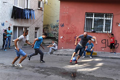 IST-1482 Playing football in the street (rose.vandepitte) Tags: turkey istanbul football streetphotography streetscene streetlevelphotography boys men fun playing d750 nikon 35mmlens