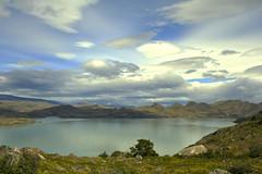 Lago Pehoe (Daniela Snow) Tags: park naturaleza mountain lake nature water weather landscape nationalpark cloudy sunny torresdelpaine
