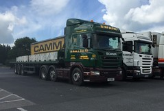 Company colours (South Strand Trucking) Tags: park concrete flat transport lorry fleet artic scania swain