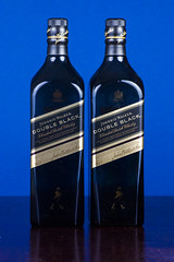 Johnnie Walker DOUBLE BLACK Colors (Alvimann) Tags: alvimann whisky johnnie walker johnniewalker beverage bebida beber alcohol alcoholic scotch escocia scotland imported importado graduacion graduate graduated 40 double black doubleblack tast tasteful sabor saborear aperitivo appertizer colour color colors colours colores azul azulado verde verdoso green greenish blueish blackish etiqueta label logo logotype bottle botella producto products product productos