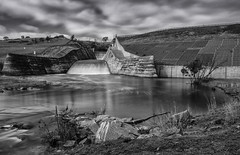 Chifley Dam - monochrome version (Richard Sollorz Photography) Tags: white black west water wall river dam country central reserve australia nsw campbells bathurst supply chifley monocrhome vathurst