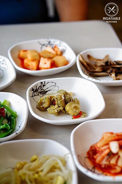 food korean homestyle eastwood banchan restaurantreview koreanfriedchicken handcutnoodles chilliglaze