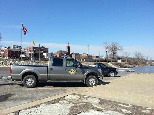 train truck police pickuptruck flags amtrak riverfront missouririver policetruck fordf250 mshp washingtonmo washmo missouristatehighwaypatrol