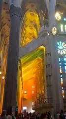 Interior 2 de la Basilica de la Sagrada Familia, Barcelona (Tere Duro) Tags: baslicasagradafamilia barcelona colores luz arquitectura cristaleras iglesias