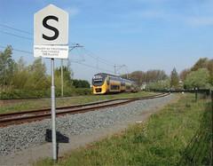 Alphen a/d Rijn, hobbel in het spoor (Ahrend01) Tags: den electrolux rijn spoor aan duiker alphen seinwezen verzakking stamlijn sbord