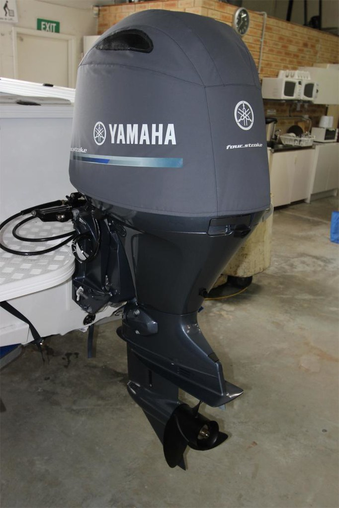 The world 39 s newest photos by outboard covers flickr hive for Yamaha boat cover