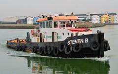 Steven B (8) @ KGV Lock 11-06-16 (AJBC_1) Tags: uk england london boat ship unitedkingdom vessel tugboat tug pontoon eastlondon nikond3200 northwoolwich newham royaldocks aggregateindustries londonboroughofnewham kinggeorgevdock stevenb kgvdock dlrblog londonsroyaldocks livettsgroup ajc