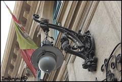 liberty palermitano (imma.brunetti) Tags: liberty palermo sicilia lampione scultura bandiera ferro puttino