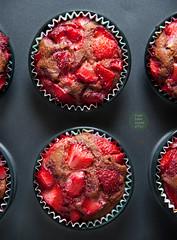 Simple vegan strawberry muffins (foodpornveganstyle) Tags: food fruits cake dessert vegan strawberries foodporn vegetarian muffin veganfood foodphotography deser truskawki veganfoodporn ciasto foodstyling babeczka babeczki muffinki foodpornveganstyle