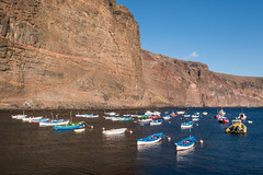 Bateaux dans le port (sosivov) Tags: sea mountain port landscape boats boat lagomera vallegranrey