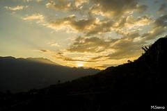 Los Ultimos Rayos (sierramarcos14695) Tags: travel viaje naturaleza sol nature guatemala sierra nubes crepusculo siluetas madre montaas aldea huehuetenango cuchumatanes explorando canoguitas